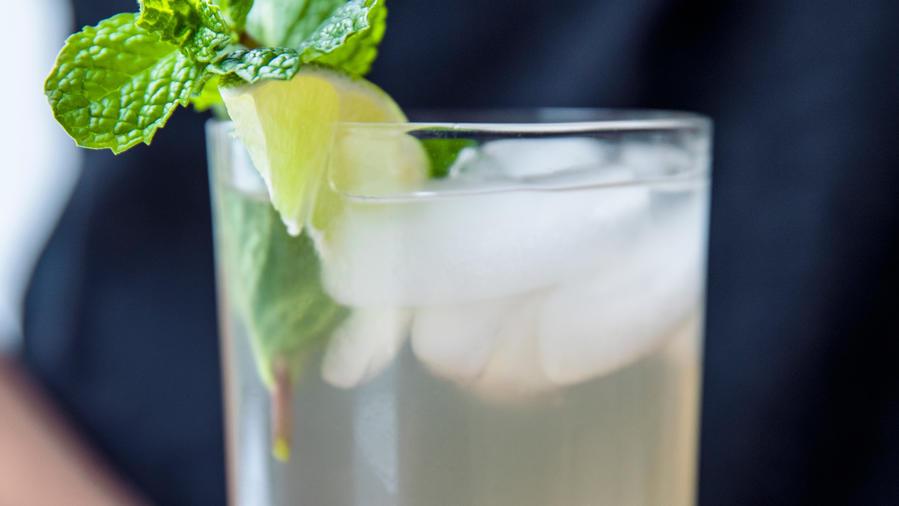 Coconut: Rum Coconut Water (0318)