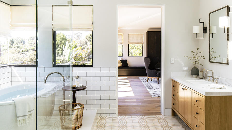 Sunset Makeover: 5 Ways to Create a Subtle Showstopper Bathroom