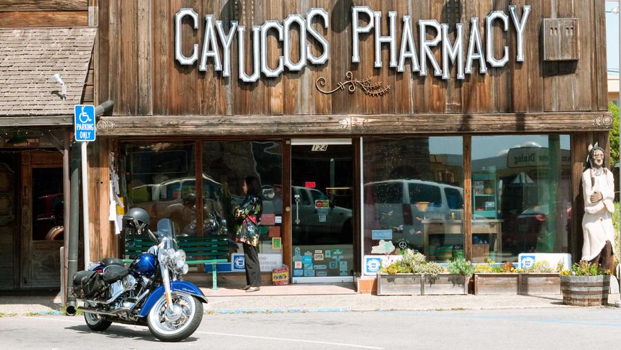 beach towns on the west coast cayucos, california coast