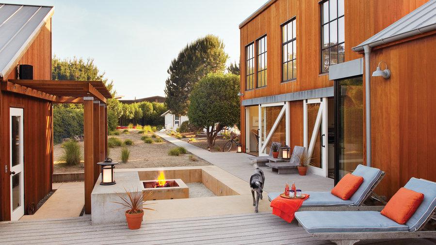 40 great ideas for decks sunset magazine sunset magazine for Sunset magazine house plans