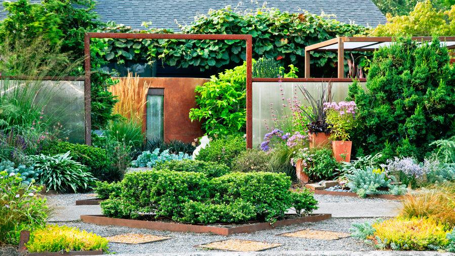23 small yard design solutions sunset magazine sunset for Garden design 1970s