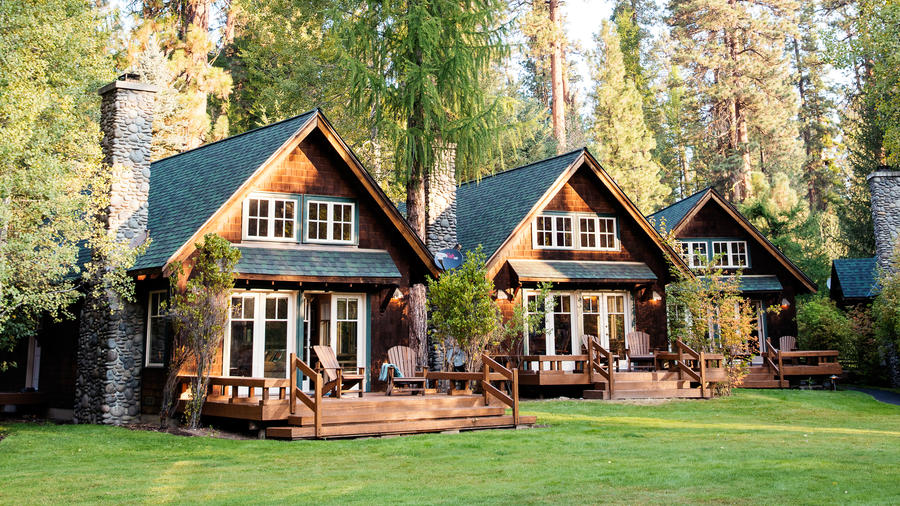 Camp Sherman cozy cabins under the tall trees in Oregon