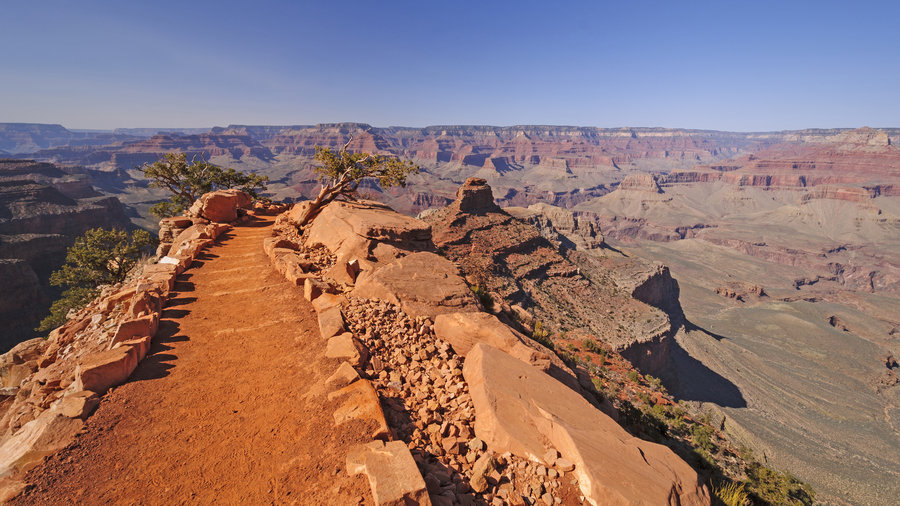 Red rock view of South Kaibab Trail in Grand Canyon National