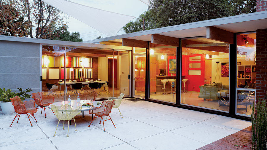 Eichler-style patio
