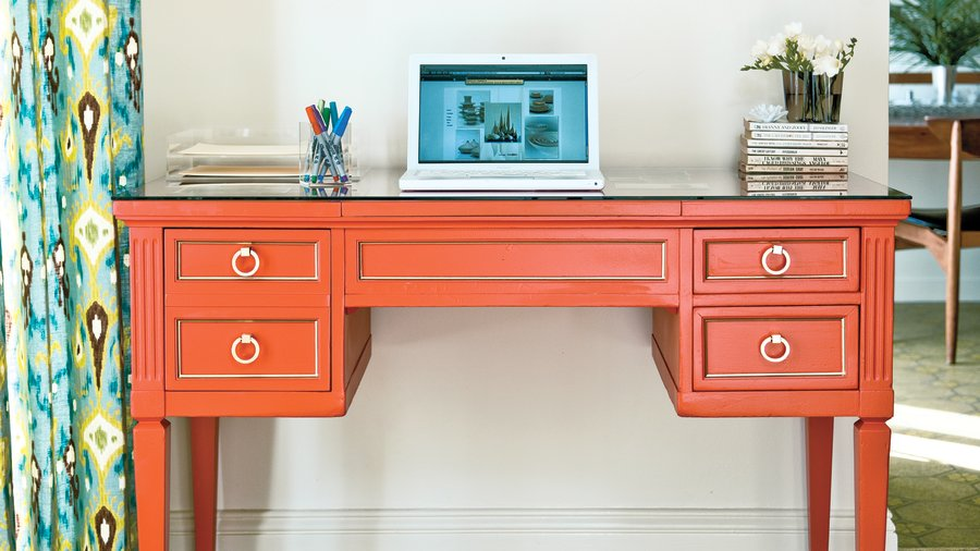 Reinvented desk from the curb