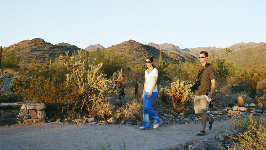 Couple on Gateway Loop Trail, one of the best hikes of McDowell Sonoran Preserve