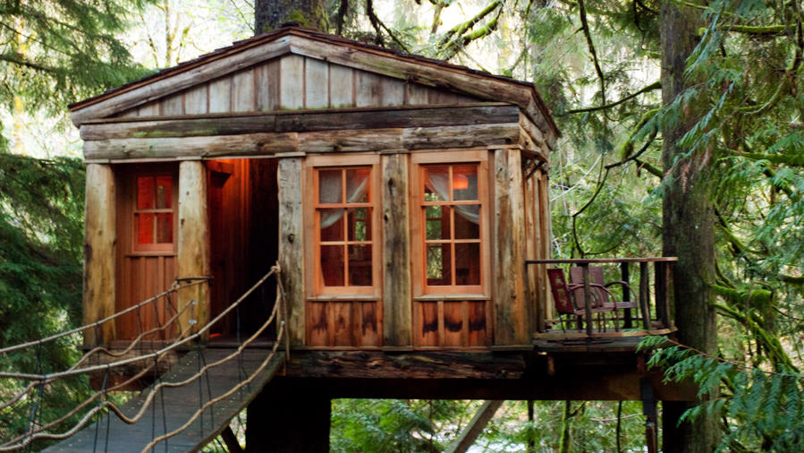 Treehouses made into unusual hotel rooms in Snoqualmie Valley