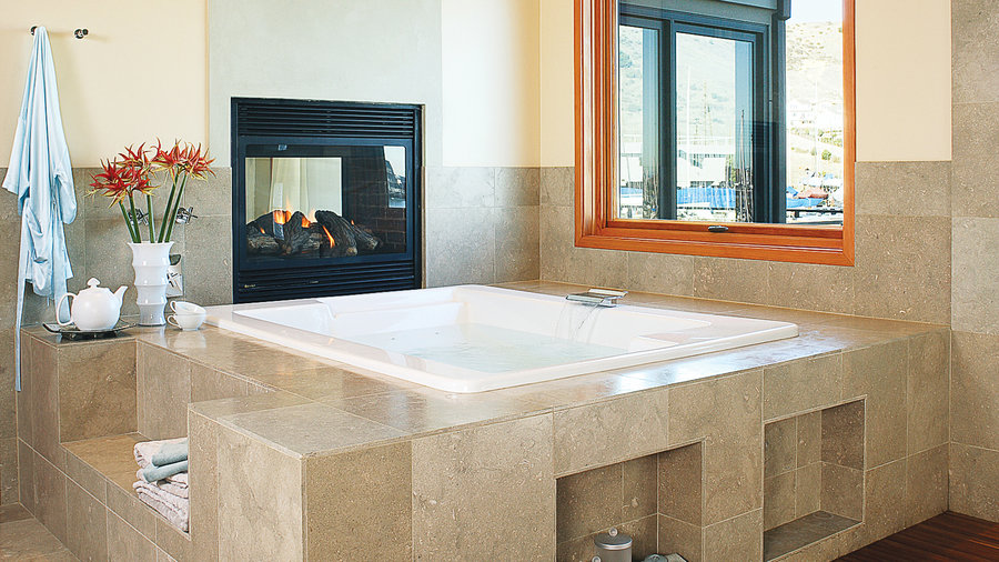Gentil Deck Mounted Jetted Tub With Fireplace