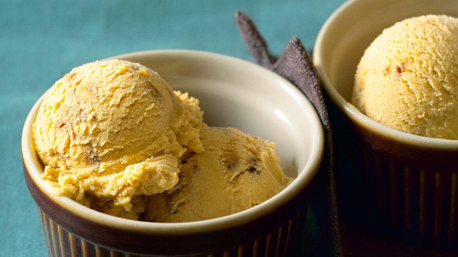 4 pumpkin recipes: Pumpkin Gingersnap Ice Cream (1011)