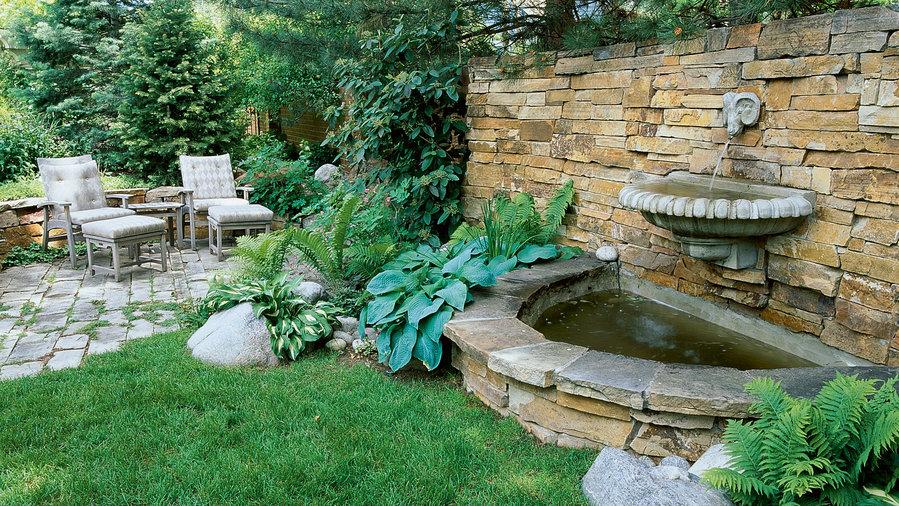 Delicieux Splashy Wall Fountain