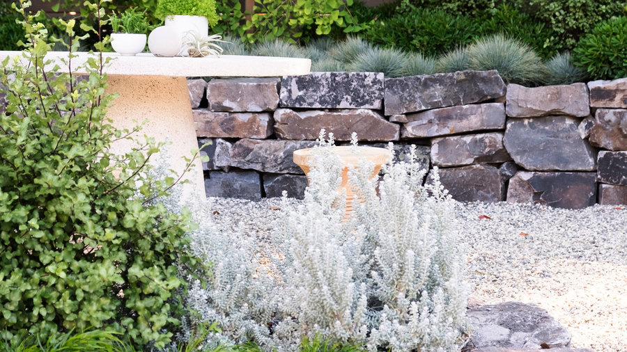 Charmant Create Planters With Stacked Stone