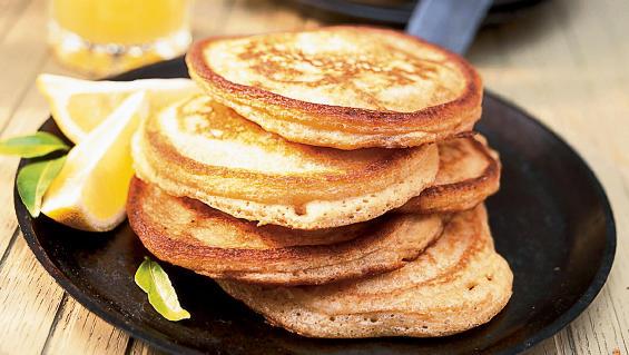Spice Pancakes with Fresh Lemon Sauce