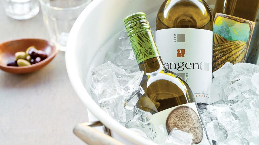 Albariño white wine