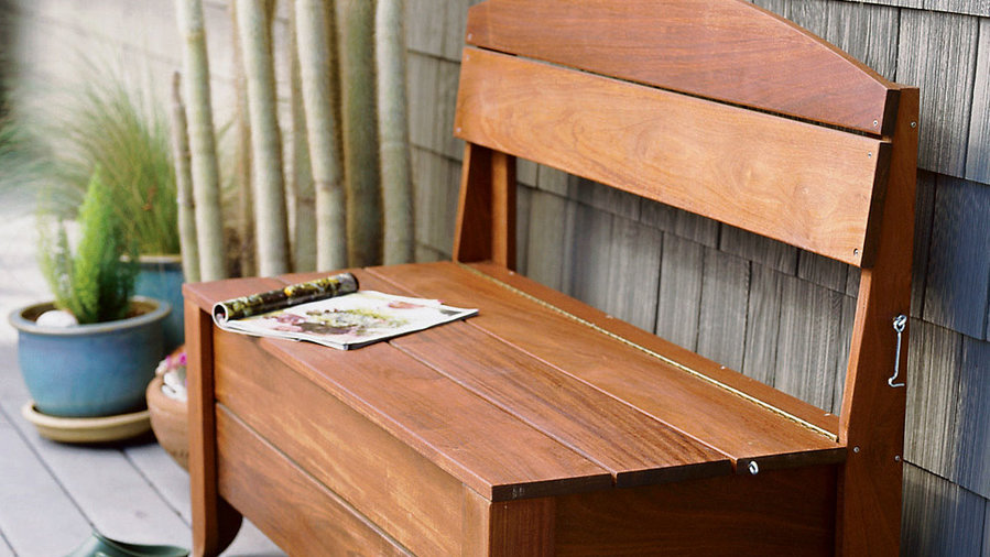 Handsome storage bench<br />