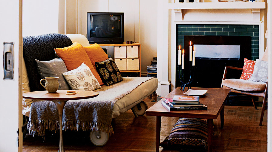 12 Ways to Maximize a Small Living Room