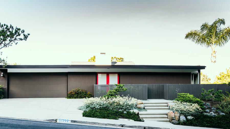 20 smart ideas from a stunning mid century remodel - Mid century modern exterior renovation ...