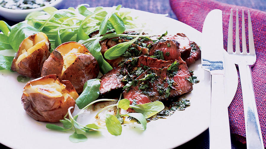 Steak with Chimichurri Sauce (Bistec Argentino al Chimichurri)<br />