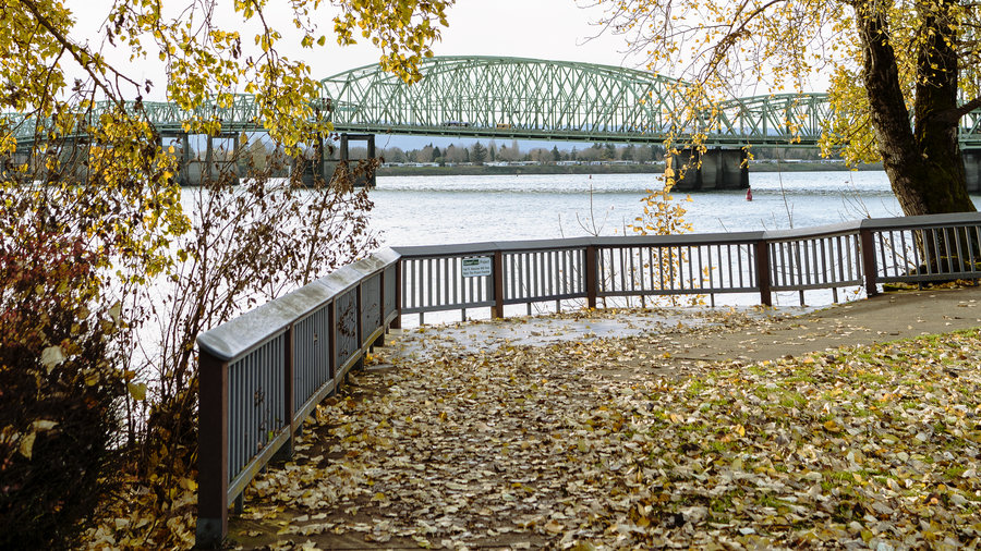 Fall color at the Interstate Bridge in Vancouver, Washington