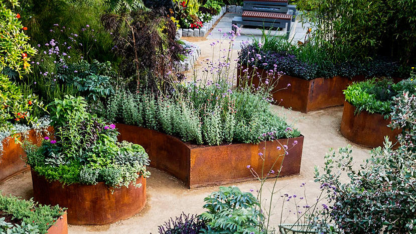 Small Backyard Ideas For An Edible Garden Sunset Magazine