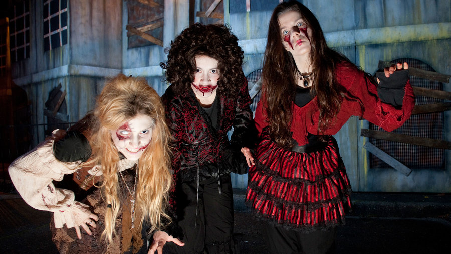 Three vampire monster women at Fright Nights haunted houses in Vancouver