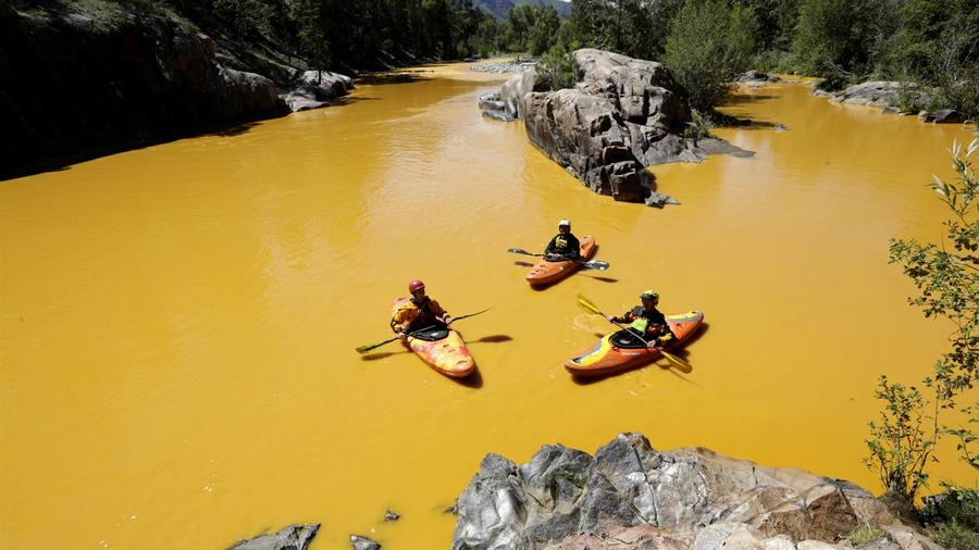 Kayakers in Animas River (Photo by Jerry McBridge for The Durango Herald)
