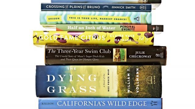 8 Incredible Books to Give as Gifts