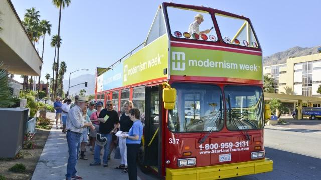 Bus Tour loading
