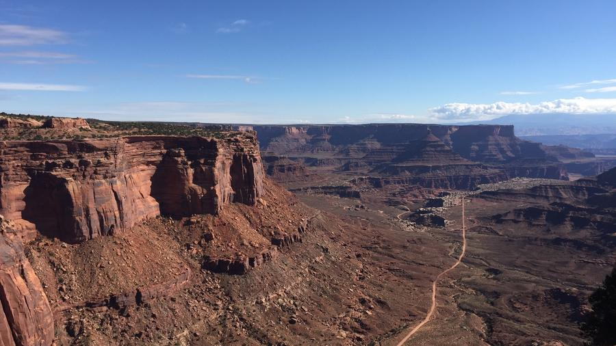 Fall Road Trip, Day 7: Canyonlands and T-Rex tracks