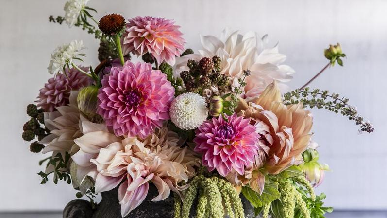 Tips from a Pro: Beautiful Bouquets - Sunset Magazine