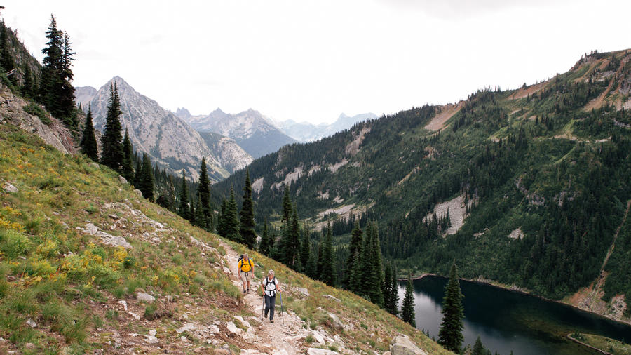 Be here now: Trekkers on the Heather-Maple Pass Loop, in the North Cascades, Washington.  (Photo by José Mandojana.)