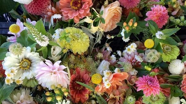 Behind the Scenes: DIY Wedding Flowers