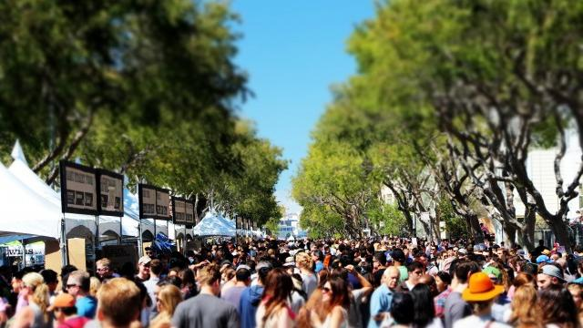 Folsom Street couldn't quite contain 2014's SF Street Food Festival. Photograph by Eddie Hernandez