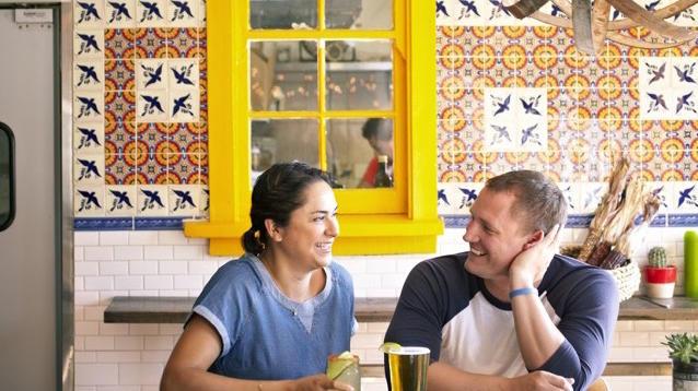 Happy hour at Nido.(David Fenton / Pulaukotok Publishing)