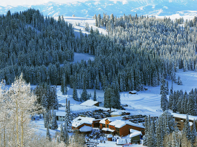 Grand targhee teewinot lodge best relaxing vacations