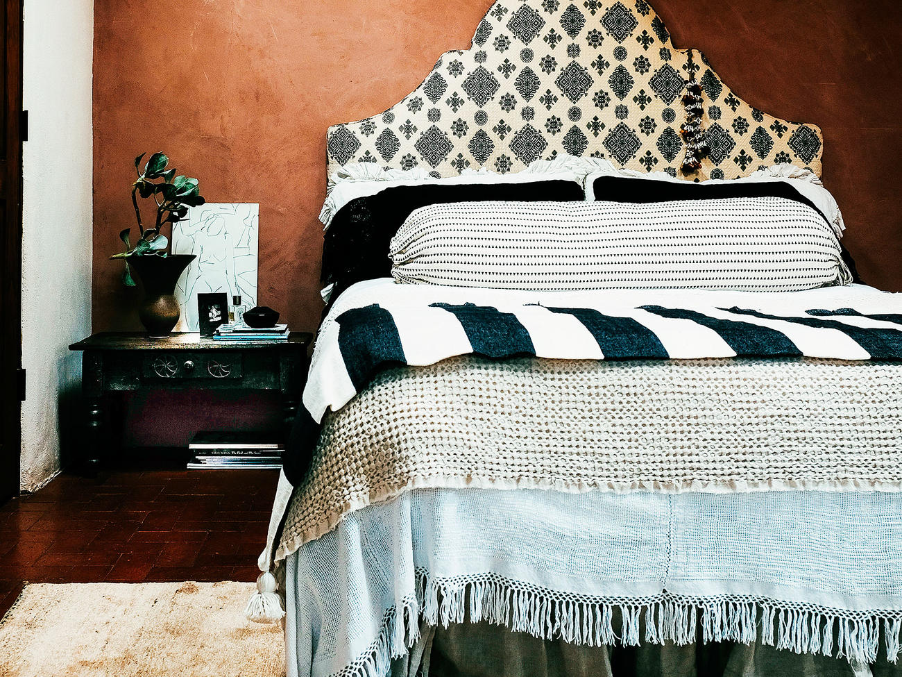 17 Ways to Decorate with Textiles
