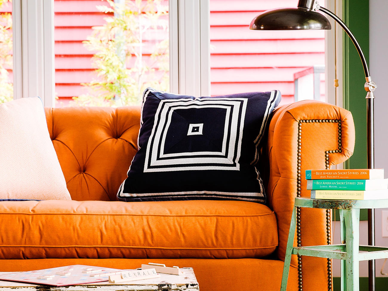 5 Ways to Style a Chic Sofa
