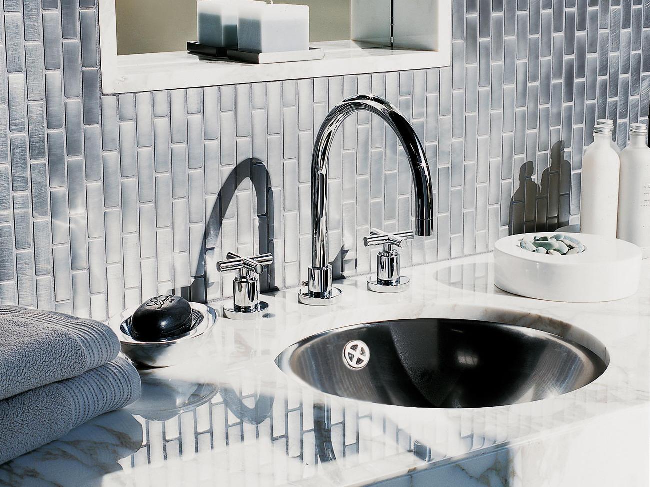 Tiled Backsplash For Your Bathroom Counter