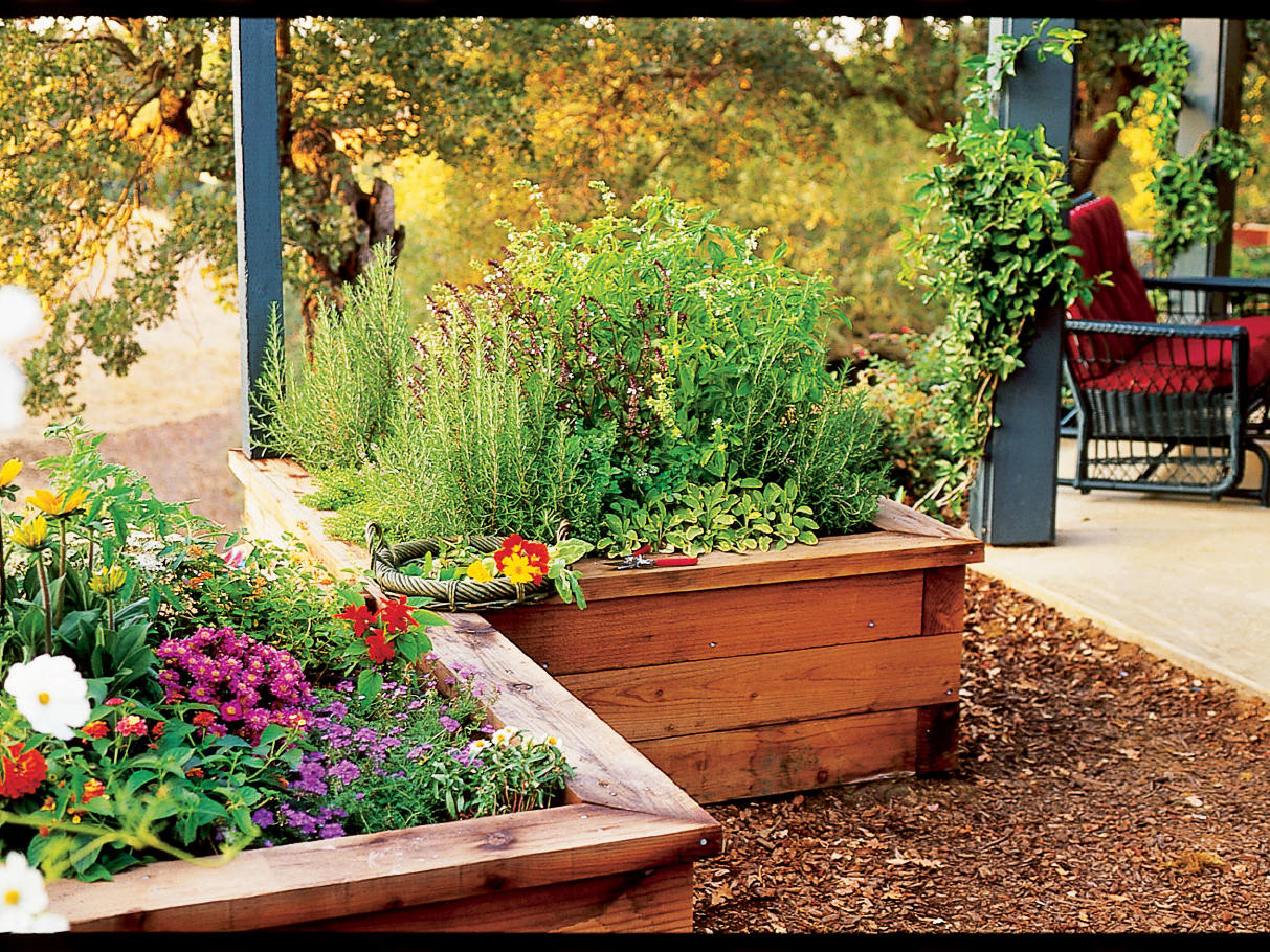 Easy-to-build Wood Planters Provide Perfect Conditions For