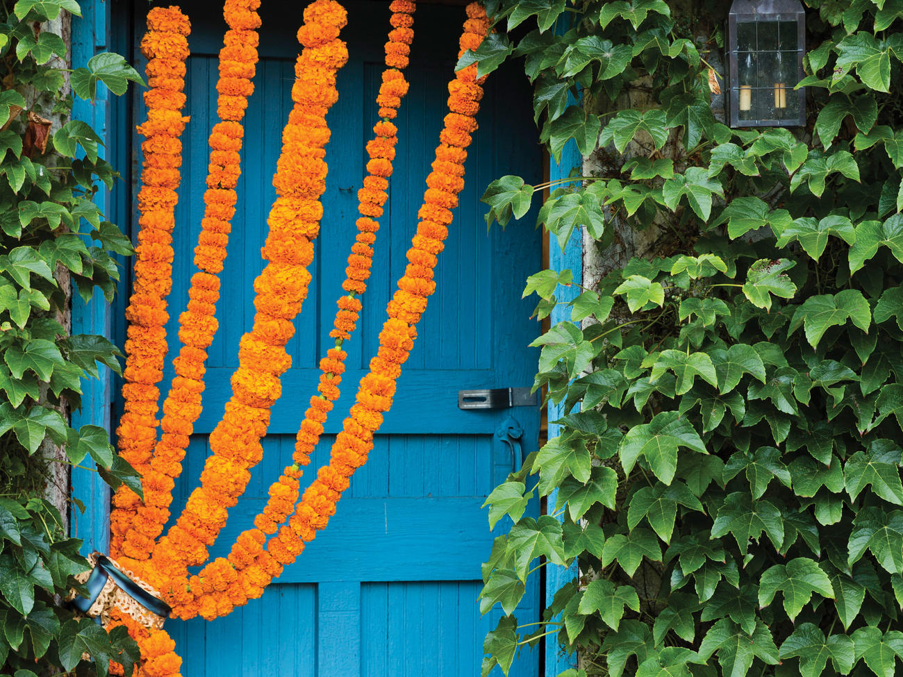 10 Stunning Outdoor Fall Decorations