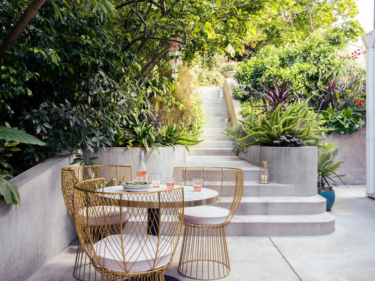 27 Inspiring Outdoor Makeovers