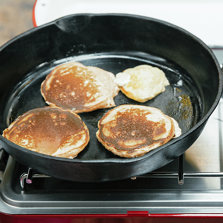 su-Whole-Grain Lemon-Buttermilk Pancakes with Strawberries Image