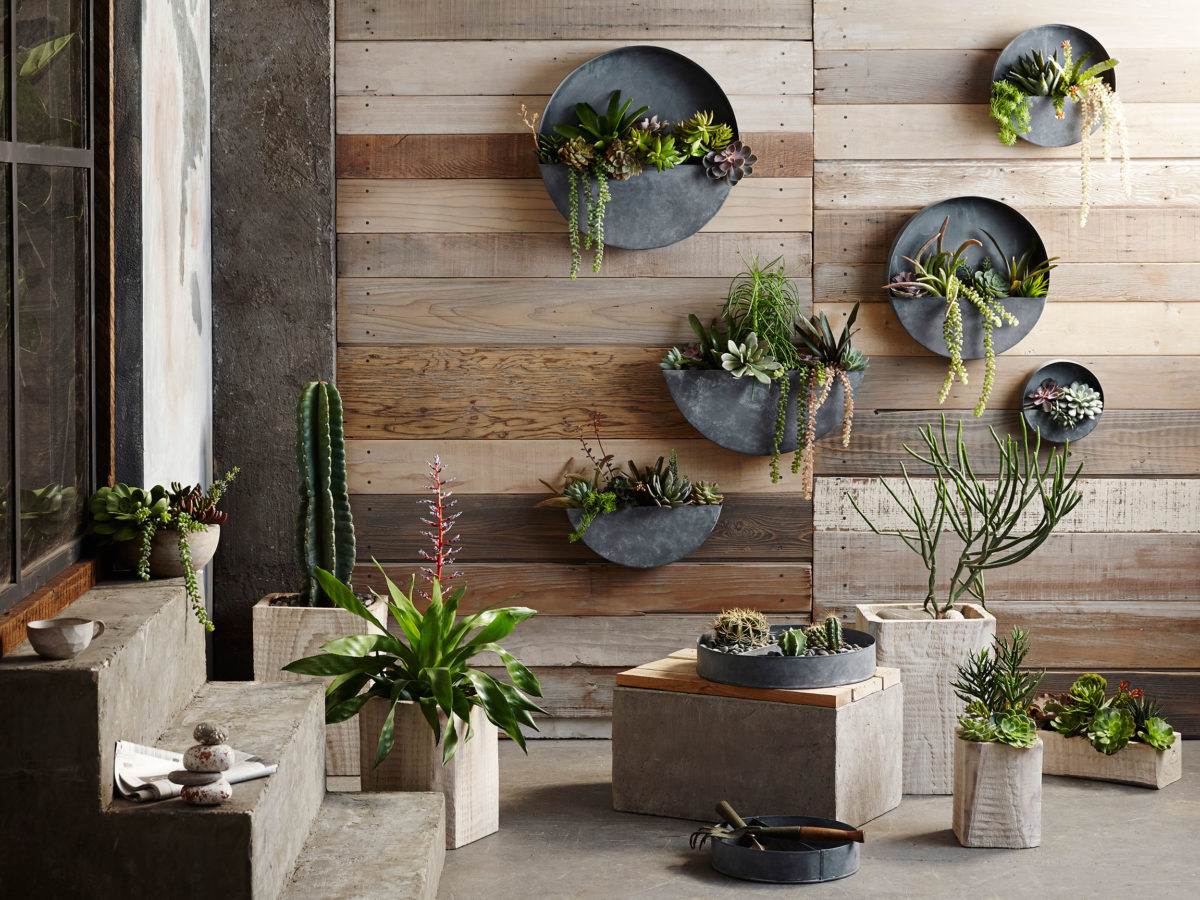 10 Statement-Making Vertical Garden Ideas